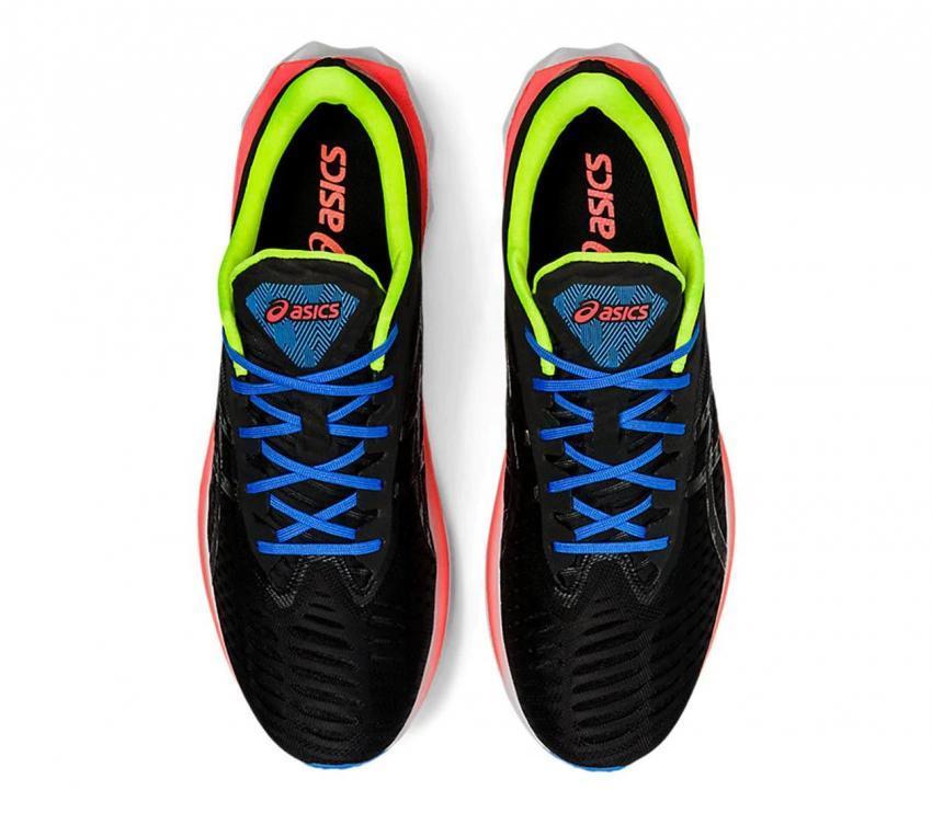 asics novablast scarpe running uomo viste dall'alto