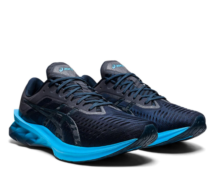 coppia scarpe running uomo asics novablast blu