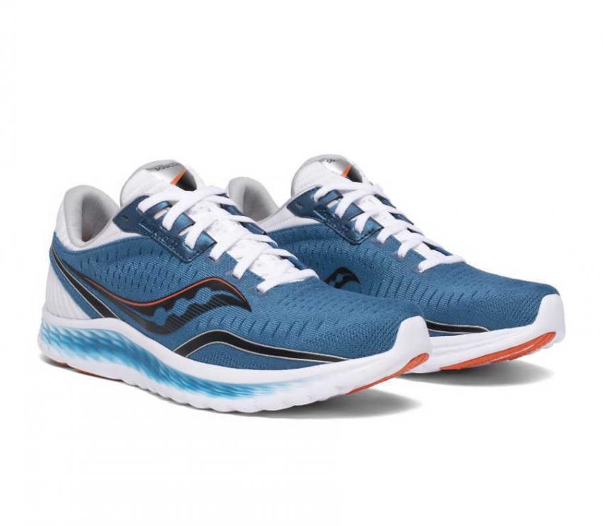 coppia scarpe running uomo saucony kinvara 11