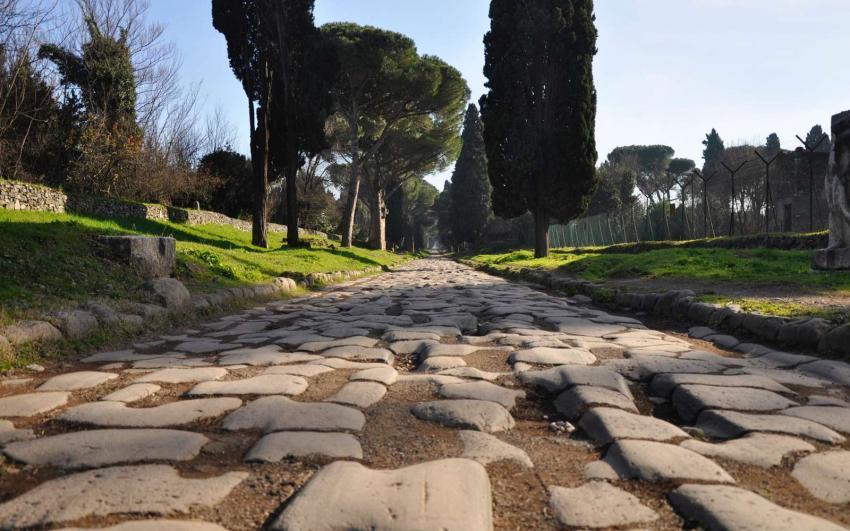 percorso running in via dell'appia antica roma