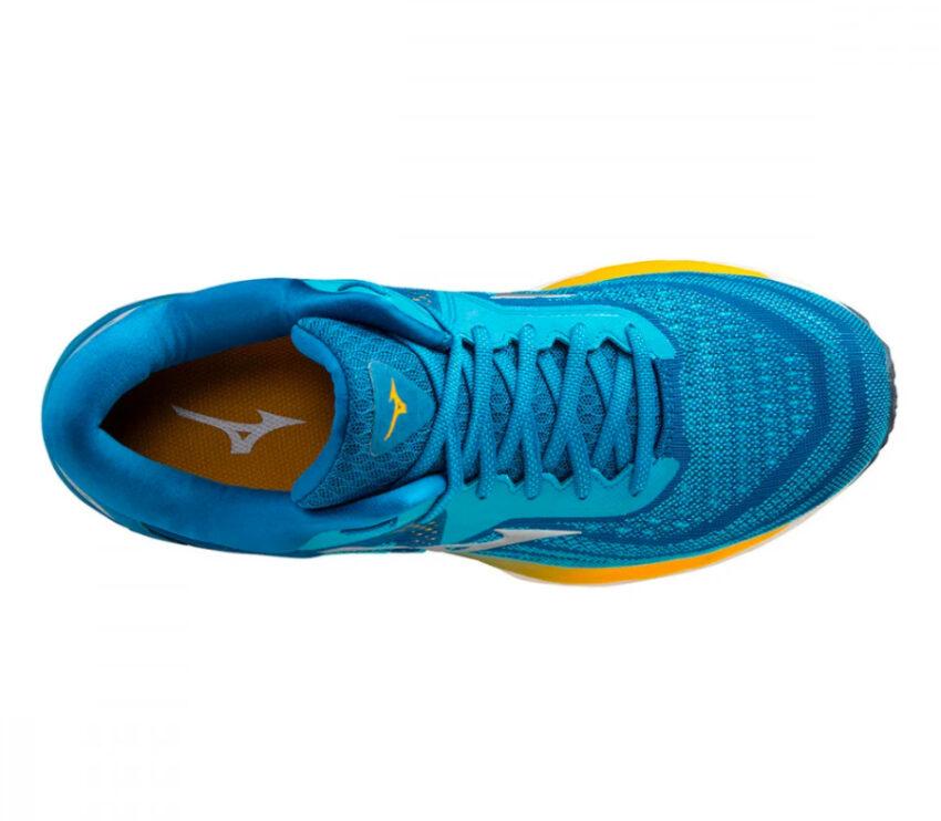 scarpa running uomo mizuno wave sky 4 azzurra e gialla vista da sopra