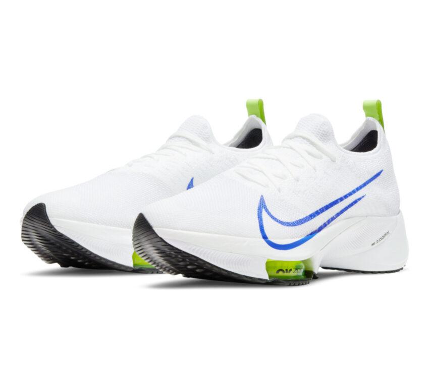 coppia di scarpa running nike air zoom tempo next bianca e blu