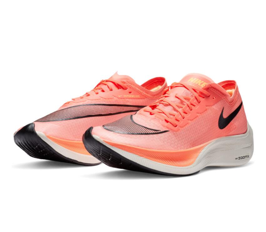 coppia di scarpa da running nike zoomx vaporfly next mango 800