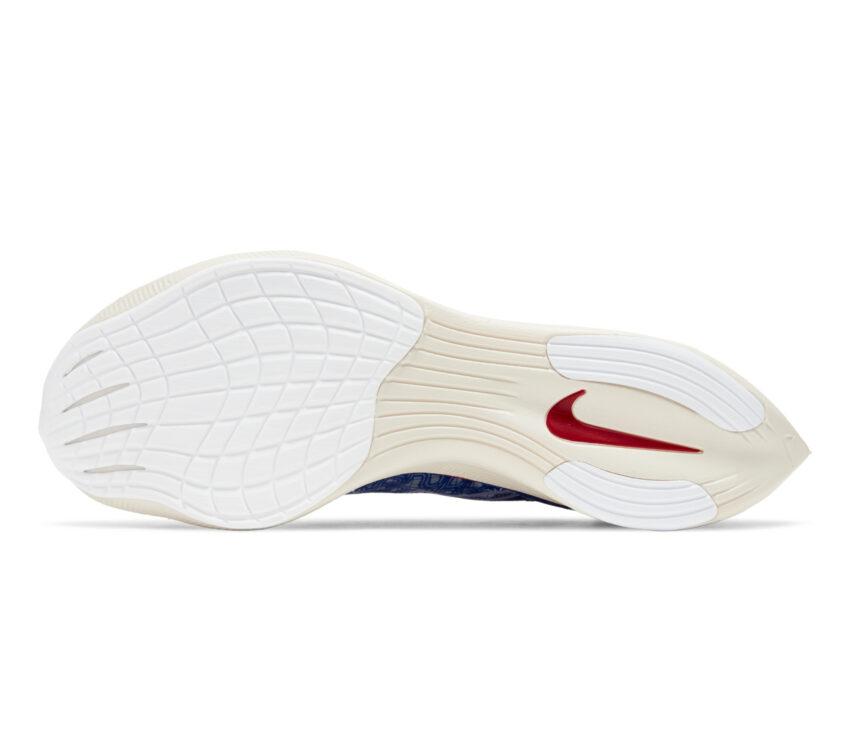 suola scarpa da running in fibra di carbonio nike vaporfly zoomx blu