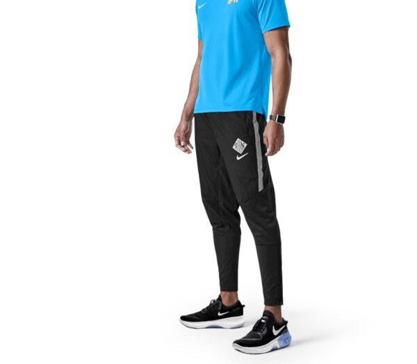 runner con pantaloni neri nike phenom wild