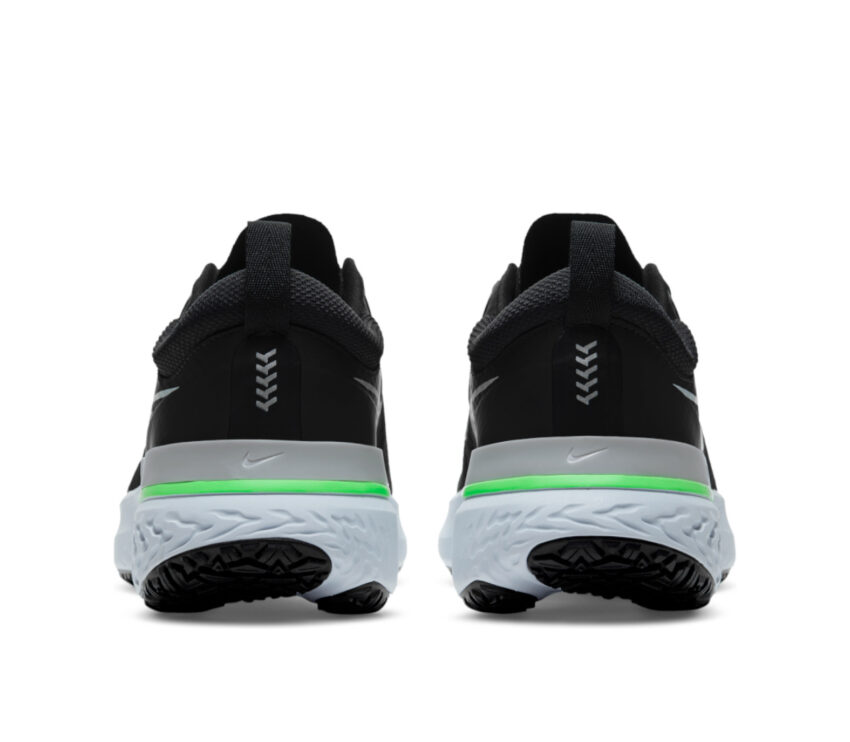 tallone nike react shield uomo scarpa running grigio e verde