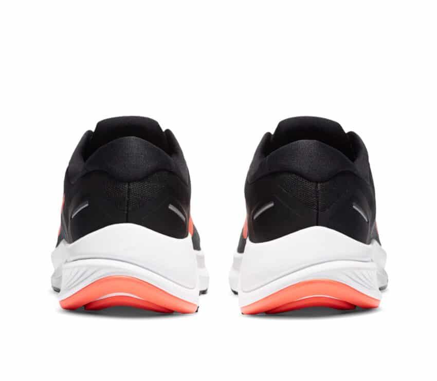 retro scarpa running pronatori nike structure 23 uomo nera e rossa