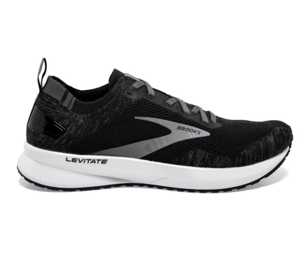 scarpa da running donna nera brooks levitate 4 in orizzontale