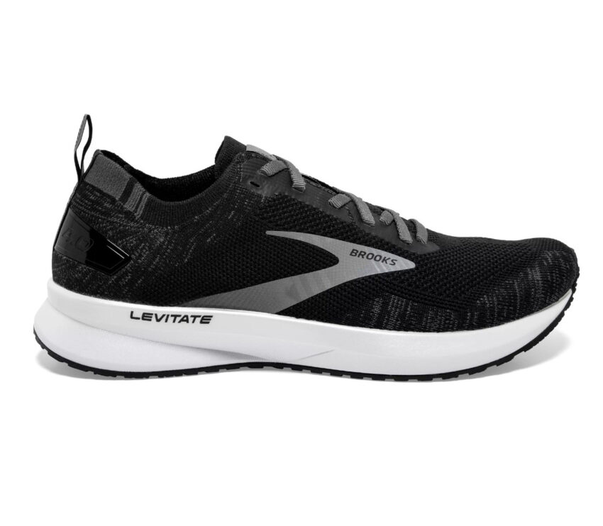 scarpa da running donna nera brooks levitate 4 in orizzontale