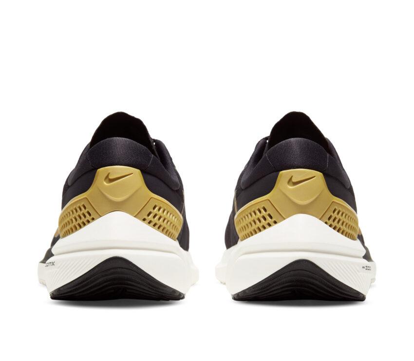 retro nike vomero 15 donna scarpa running nero e oro