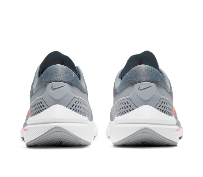 tallone scarpa running uomo nike zoom vomero 15 grigio