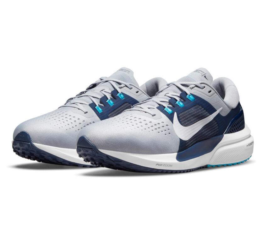coppia scarpa running per pronatori nike vomero 15 blu