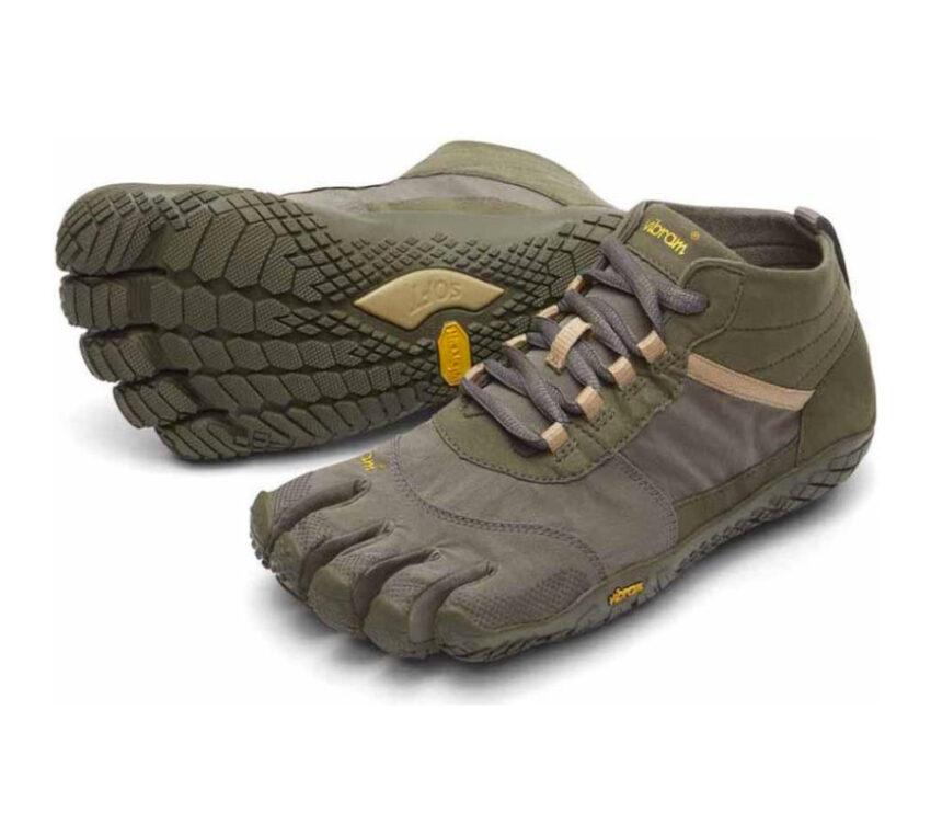 coppia scarpe running uomo verde militare vibram fivefingers v trek