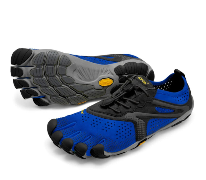 coppia scarpe running barefoot uomo vibram fivefingers vrun