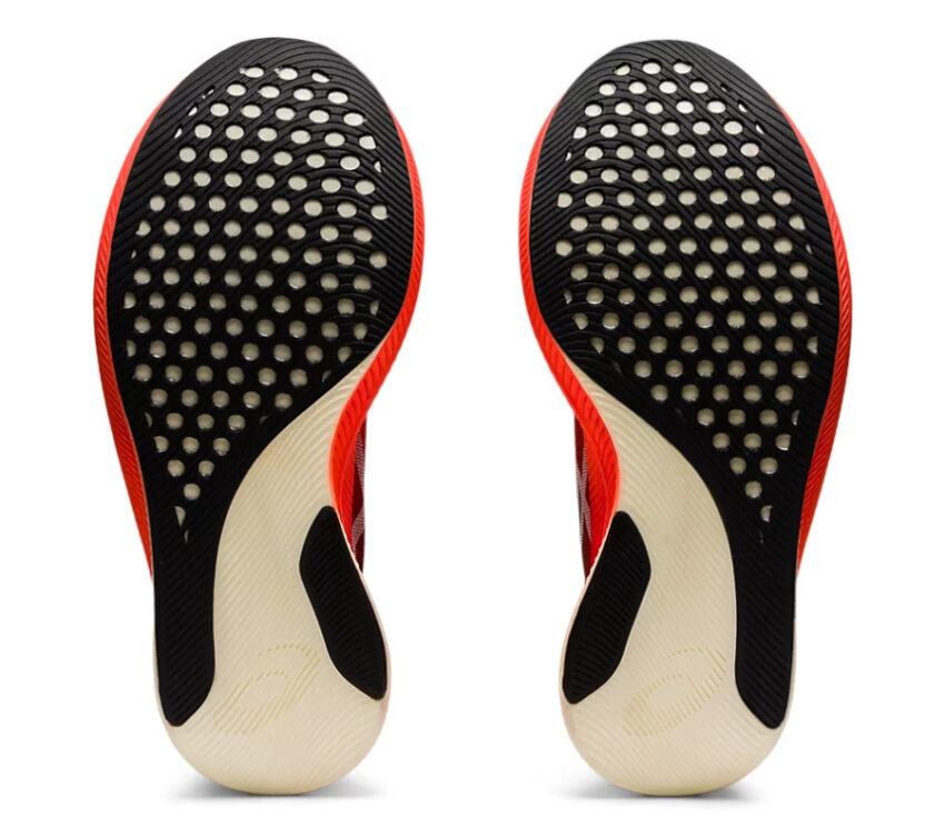 suola scarpe running veloci donna asics metaspeed sky
