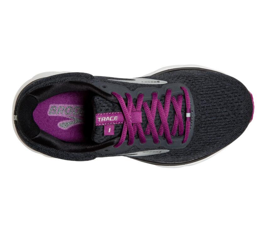 scarpa nera running per principianti da donna brooks trace vista da sopra