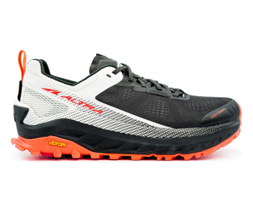 scarpa da trail running donna altra olympus 4 bianca nera e rossa
