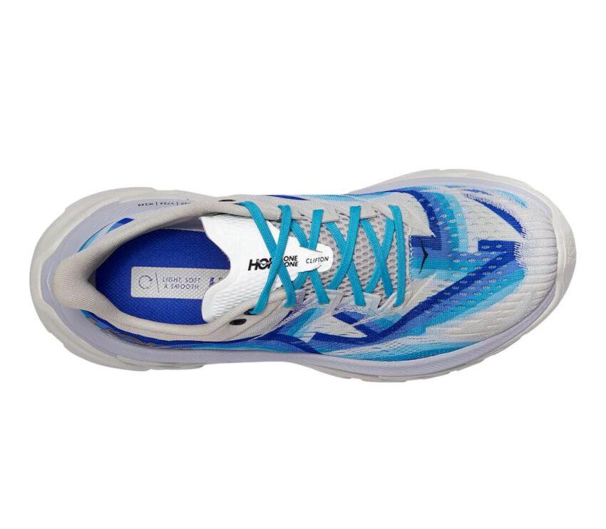 scarpa running uomo hoka one one clifton edge geometric bianca e blu vista da sopra