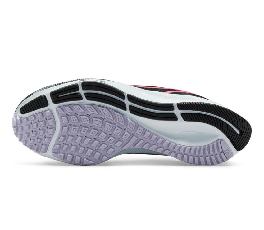 suola scarpa da running neutra donna nike pegasus 38 nera e rosa