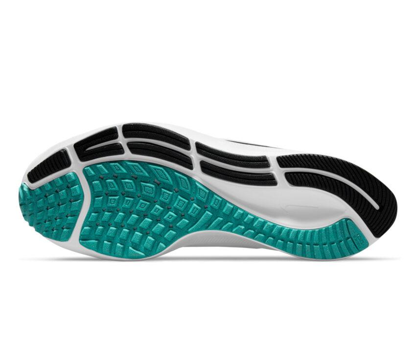 suola scarpa running donna nike pegasus 38 bianca
