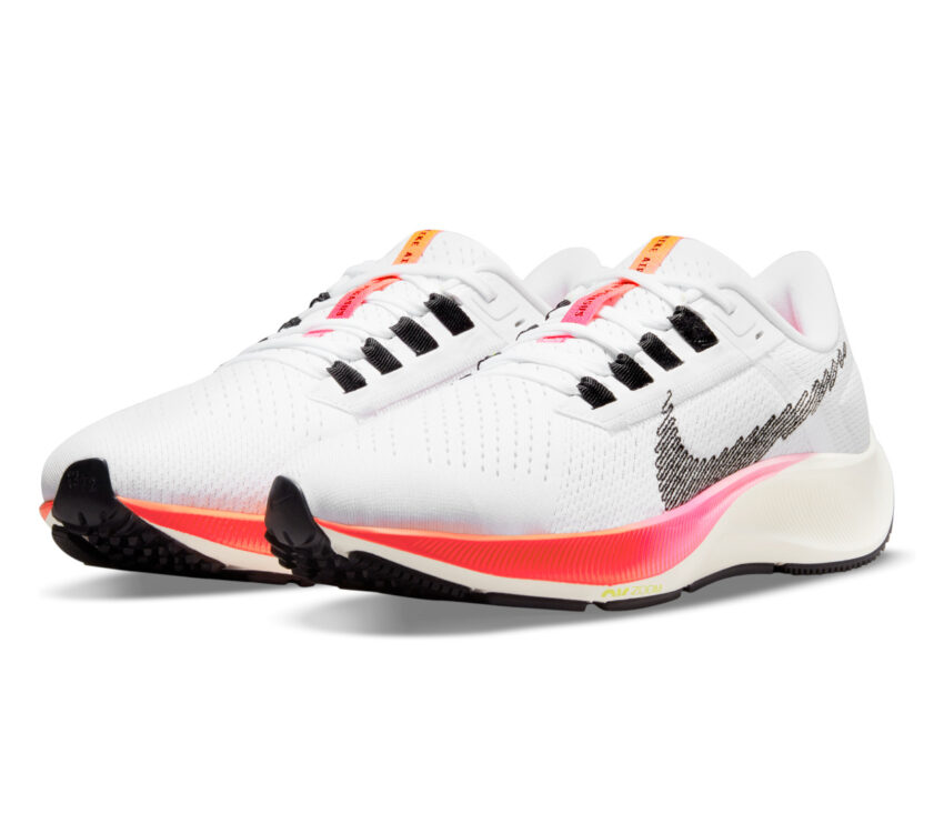coppia scarpa running donna nike zoom pegasus bianca e rosa