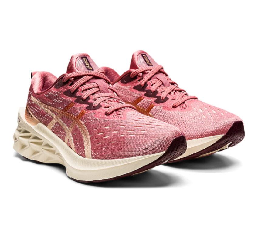 coppia scarpa da running donna asics novablast 2 rosa