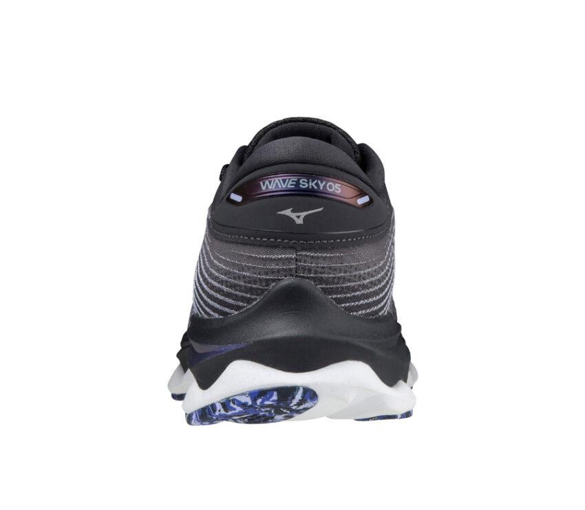 tallone scarpa da running Mizuno Wave sky 5 nera e blu