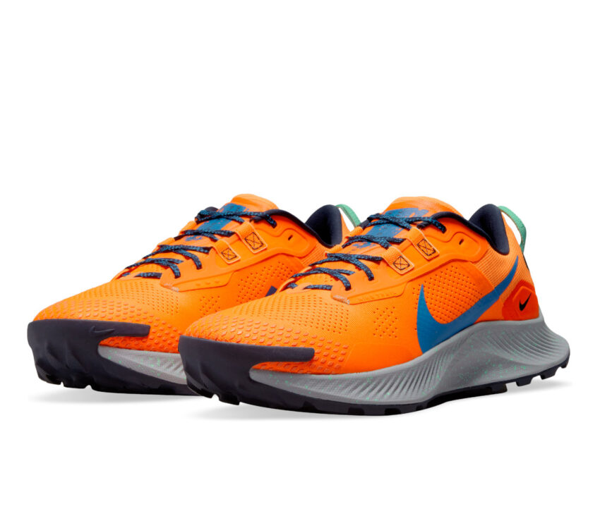 coppia scarpa da trail running uomo nike pegasus trail 3 arancione