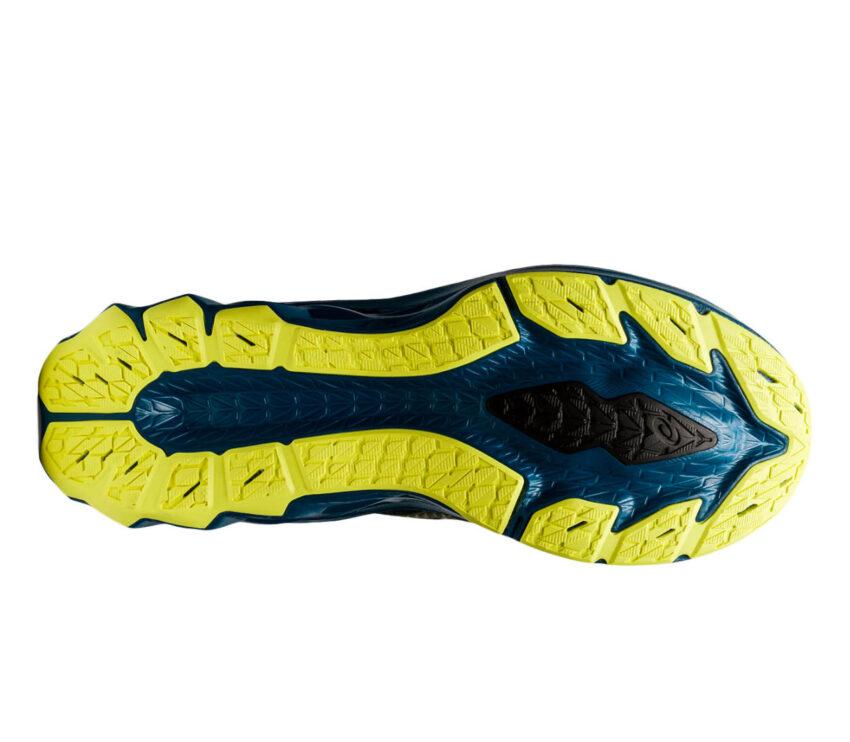 suola scarpa da running uomo asics novablast nera e blu